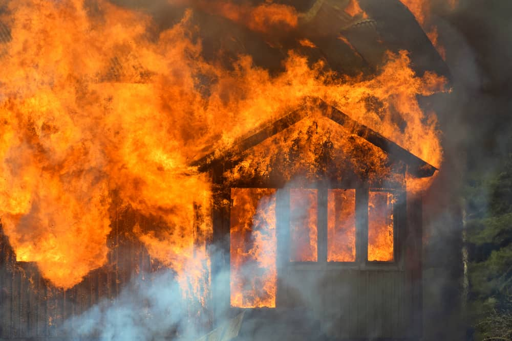 dream of house on fire
